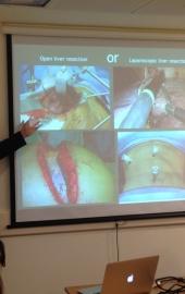 Др.Е.Соломонов проводит семинар по операциям на печени, 2015