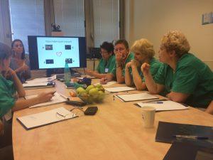 Неопнатологи на дебрифинге в симуляционном центре, 2015